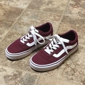 Vans Ward Burgundy Skate Shoe Size 6 WORN ONCE!!